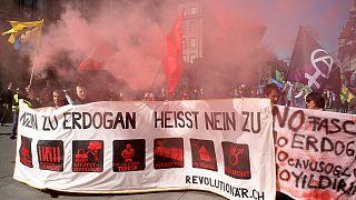 تجمع مخالفان اردوغان در پایتخت سوئیس و اعتراض دولت ترکیه