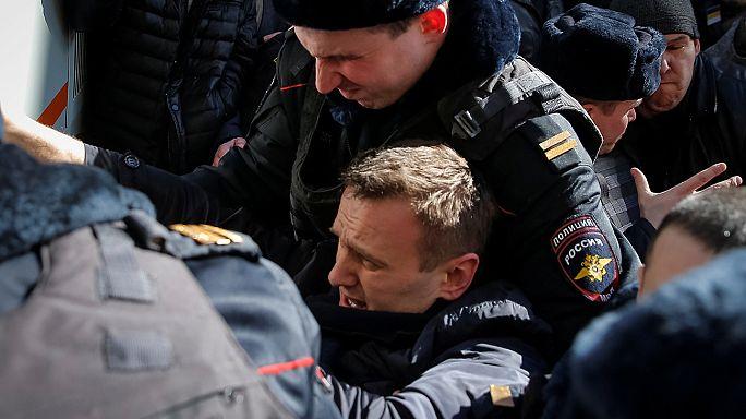 Detenido el líder opositor ruso Alexei Navalny en una marcha en Moscú