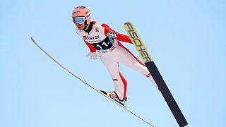 النمساوي ستيفان كرافت يتوج بكأس العالم للقفز على الثلوج