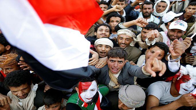 Yemen'de binlerce kişi Husilere destek için toplandı
