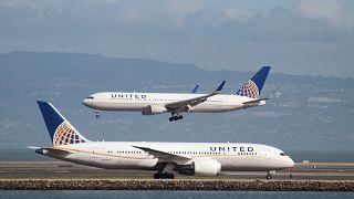 United Airlines se enreda las alas con la polémica sobre los leggings