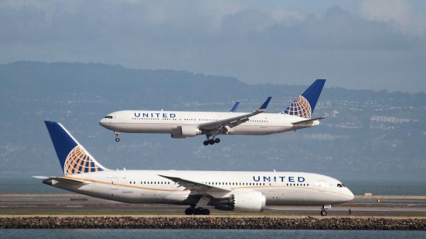 United Airlines: Calças de lycra não voam