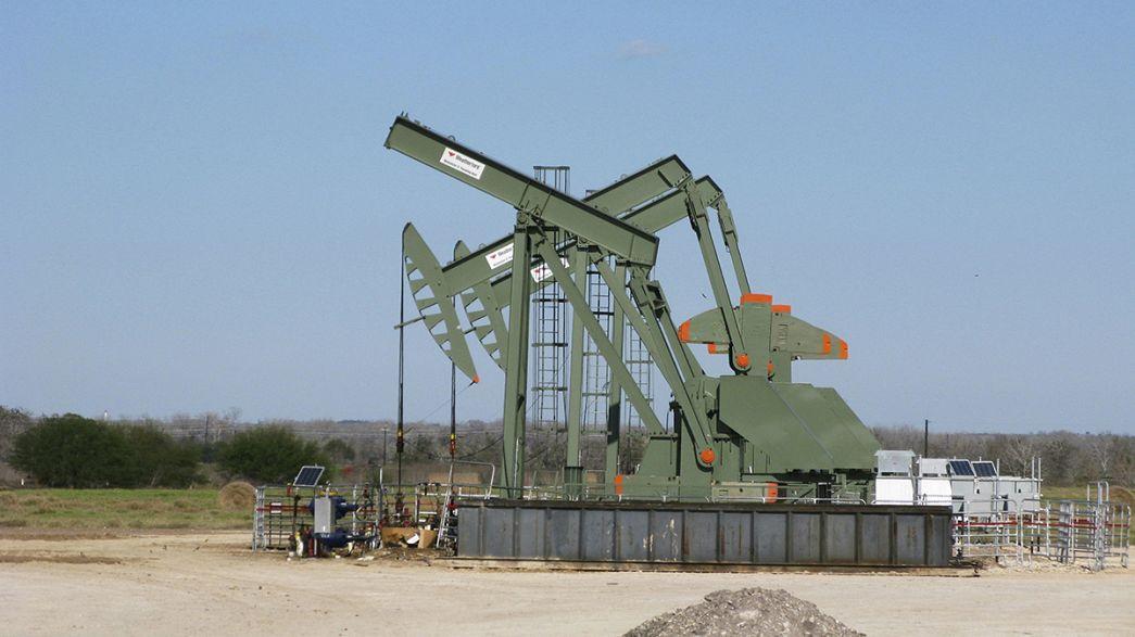 Нефть дешевеет. Картель ОПЕК готов к новому сокращению добычи?