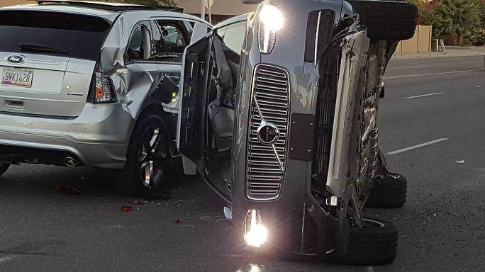 Unfall: Uber zieht bei selbstfahrenden Test-Autos die Notbremse