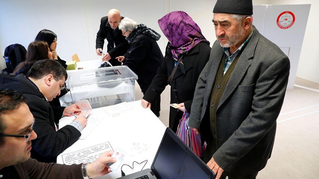 Référendum constitutionnel turc : début du vote à l'étranger