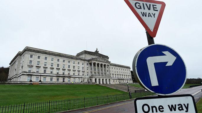 Irlande du Nord : unionistes et nationalistes dos à dos