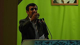 """Ahmedinejad: """"80 milyon insan anlamıyor da sadece sen mi her şeyi biliyorsun?"""""""