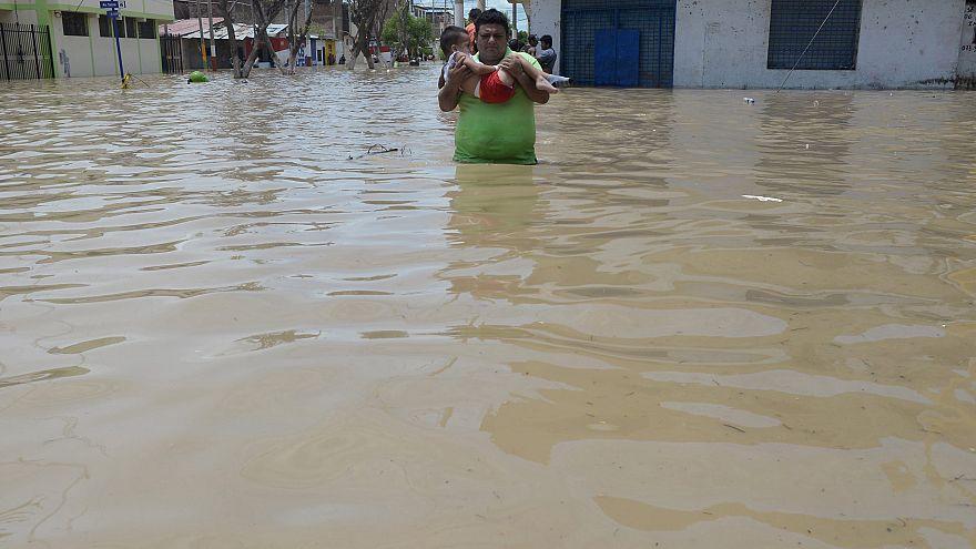 أمطار غزيرة وسيول غير معهودة في البيرو تُخلِّف 91 قتيلا منذ يناير