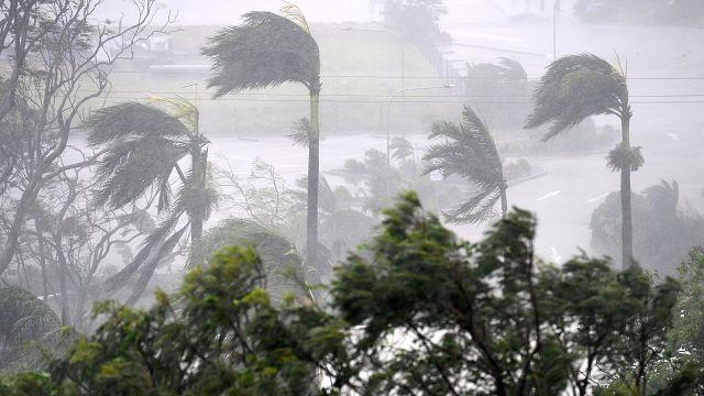 El ciclón Debbie golpea a Australia en el estado de Queensland