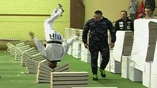 Taekwondo champion smashes 111 blocks with his head
