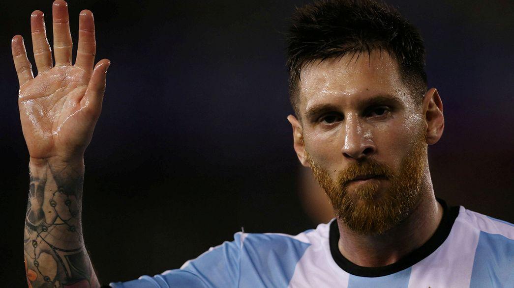الفيفا تعاقب ميسي بأربع مباريات مع منتخب بلاده