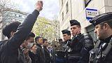 """Протестующие в Париже: """"Мы хотим знать, почему полиция начала стрелять?"""""""