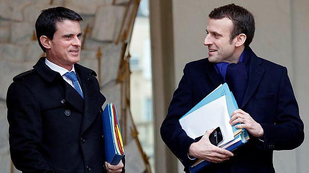 Présidentielle : Valls soutient Macron, colère au PS