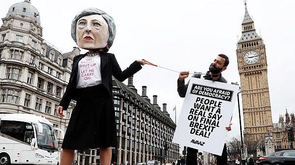 A britek vegyes érzésekkel fogadták a brexit beindítását