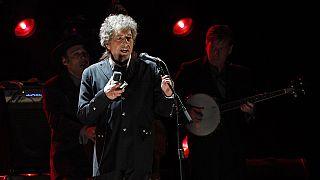 Bob Dylan va finalement accepter son prix Nobel de littérature