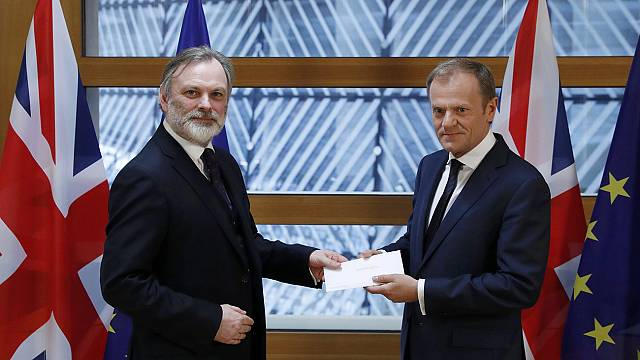 Tusk nimmt Brexit-Erklärung in Empfang