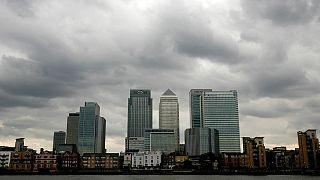 رقابت پاریس و فرانکفورت برای جذب بانکها و شرکتهایی که لندن را ترک می کنند