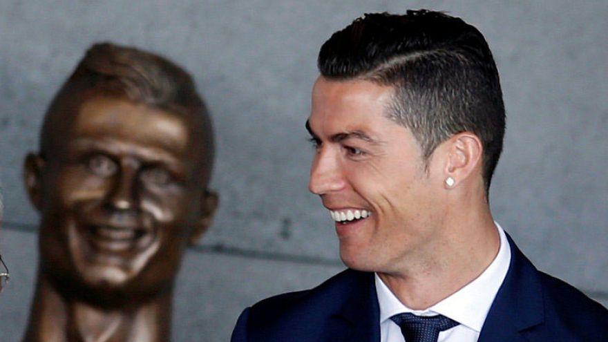 Bizarre bust of Ronaldo unveiled