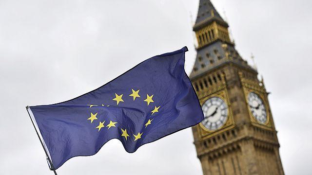 """""""Breves de Bruxelas"""": carta do Brexit entregue em Bruxelas"""