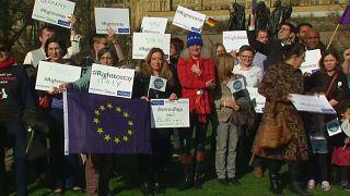 Brexit'in zora soktuğu İngiliz ve AB vatandaşları
