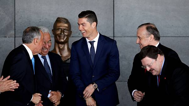 Ronaldo bronze bust grabs limelight for all the wrong reasons