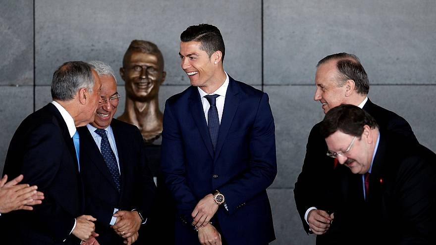 Fußballstar Cristiano Ronaldo und das Pech mit seinen Statuen