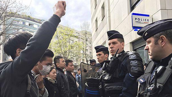 Ismét összecsaptak rendőrök és kínaiak Párizsban