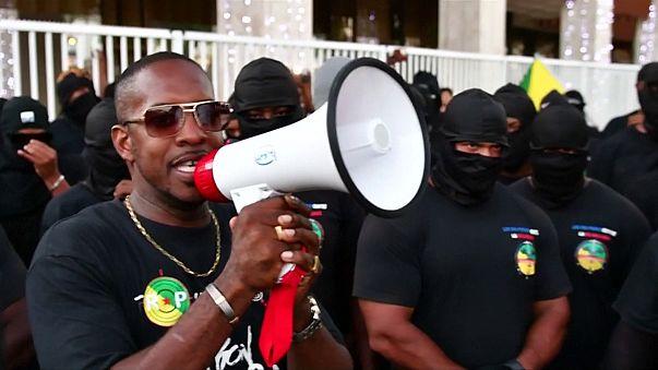 وزير الداخلية الفرنسي يباشر المفاوضات مع ممثلي المحتجين في إقليم غيانا بأمريكا الجنوبية