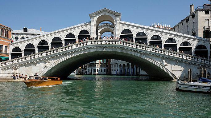 Venedik'te Rialto Köprüsü'ne saldırı planlayan üç kişi yakalandı