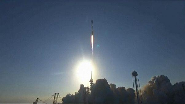 موشک بازیافتی فالکون ۹ با موفقیت به فضا پرتاب شد