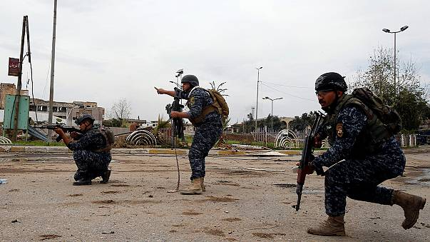 """Iraqi troops """"within metres"""" of symbolic mosque in Mosul"""