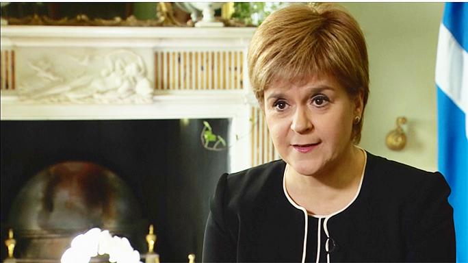 Sturgeon puts pressure on London for Scotland independence vote