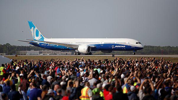 Premier vol d'essai pour le Dreamliners géant de Boeing