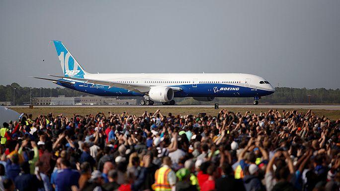 Dreamliner 787-10 впервые покорил небо