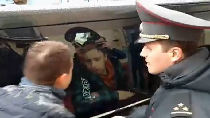 La policía bielorrusa registra los locales de una televisión opositora