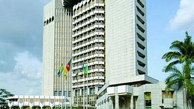 The governor of the bank of Central African States resumes office