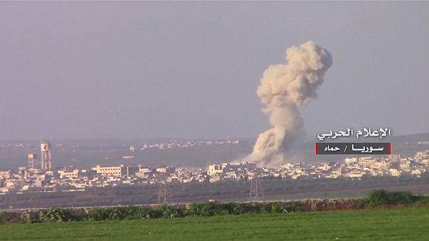 Las fuerzas sirias prosiguen sus ataques contra los rebeldes cerca de la provincia de Hama