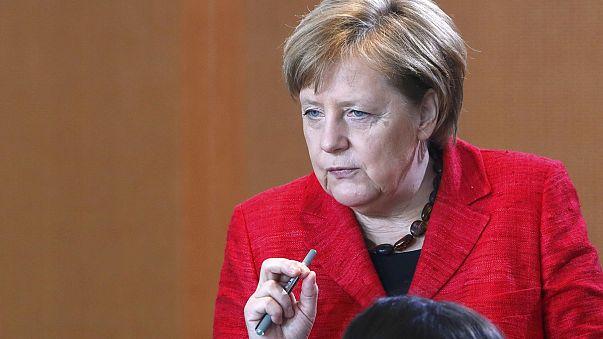 Merkel Kuzey Ren Vestfalya'daki seçim kampanyasına başladı