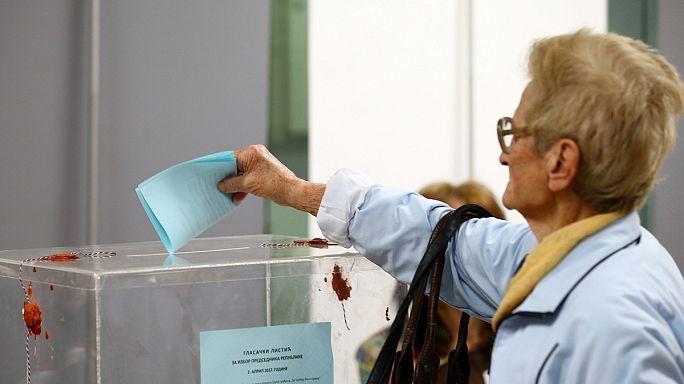 Los serbios votan en unas presidenciales dominadas por Vucic