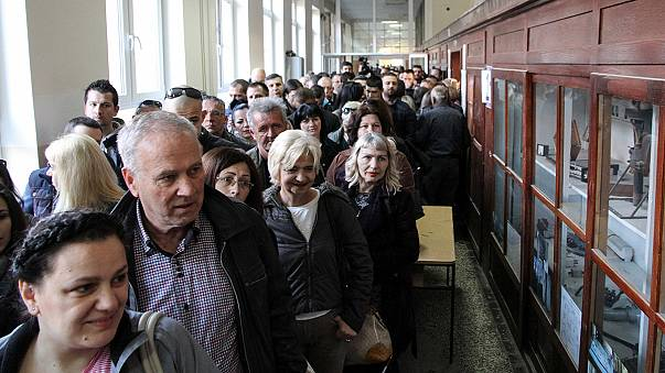 Sırbistan'da halk yeni cumhurbaşkanını belirlemek üzere sandık başında