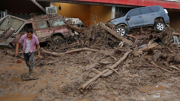 Rettungshelfer in Kolumbien suchen nach hunderten Vermissten