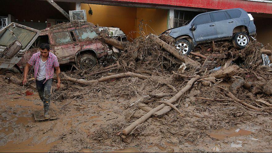 ارتفاع قتلى الفيضانات والانهيارات الارضية في كولومبيا إلى 254 شخصا