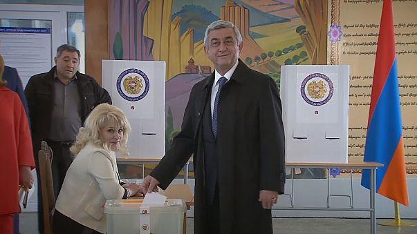 Ermenistan seçimlerinde Serj Sarkisyan'ın partisi önde