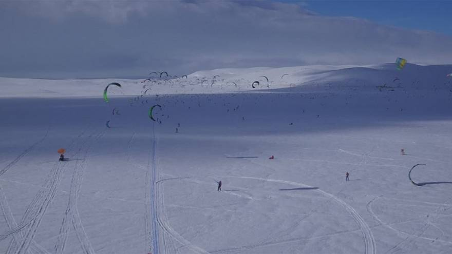 "A maior corrida de ""snowkites"" da Noruega"