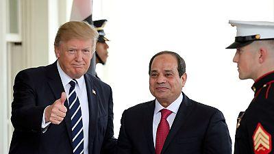 En visite à Washington, le président égyptien félicité par Donald Trump