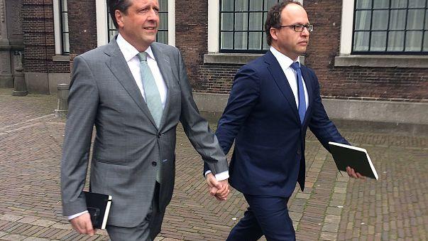 Gegen Homophobie: Niederländische Männer halten Händchen