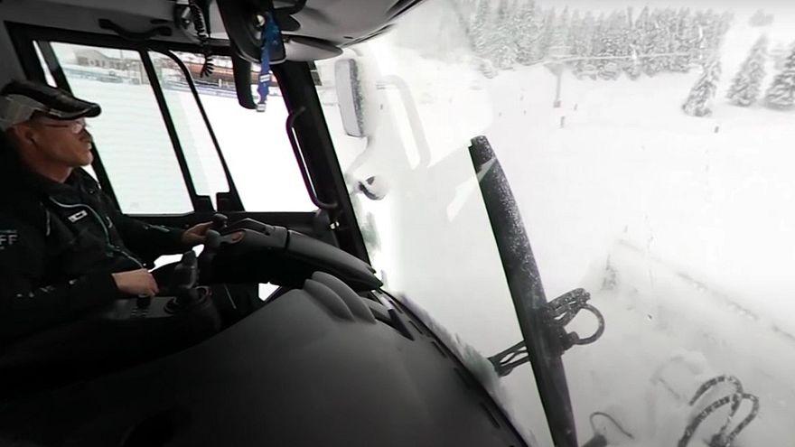 Embarquement en 360° dans une dameuse
