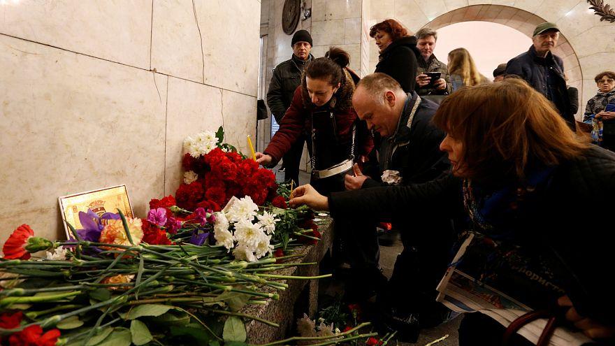Gyászol Oroszország - a szentpétervári robbantás áldozataira emlékeznek