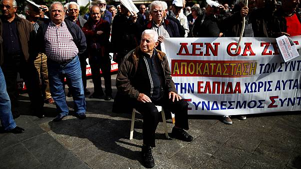 Elderly Greeks protest against more pension cuts