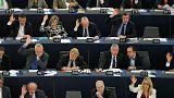 Ευρωβουλευτές: Ζητούν κλείσιμο της αξιολόγησης - Μύδροι κατά Ντάισελμπλουμ (vids)